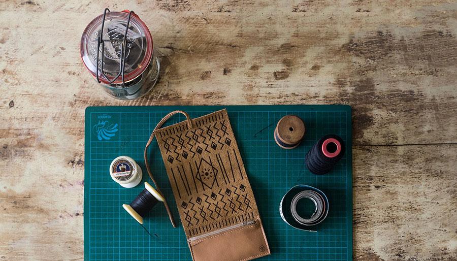 Vluchtelingen en designers werken samen aan mooie producten