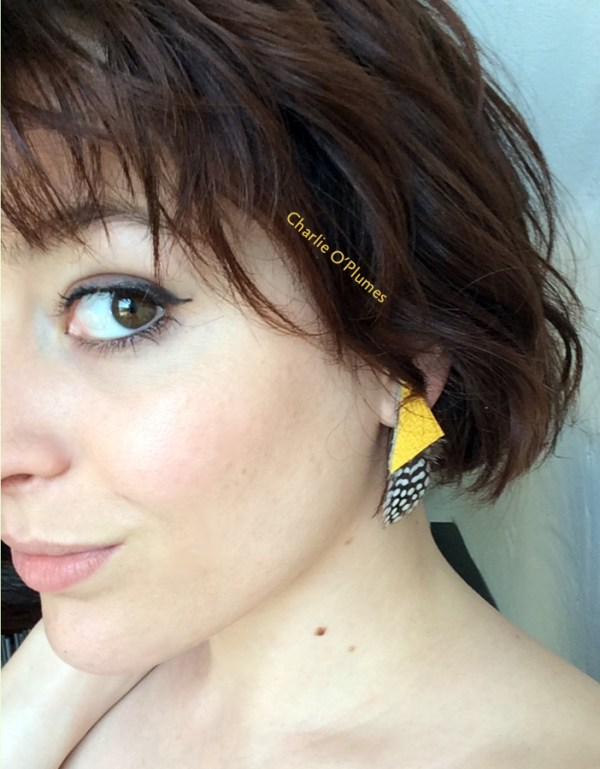 boucles d'oreilles jaune plume pintade oplumes