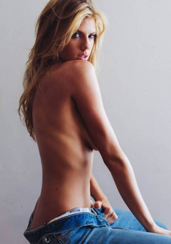 Charlotte McKinney - Antoine Verglas - 01Charlotte McKinney - Antoine Verglas - 01