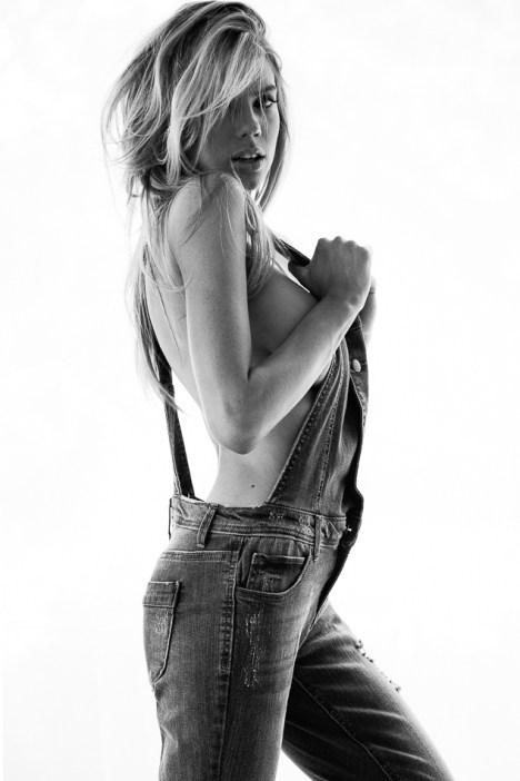 Charlotte McKinney - Nick Suarez - 03