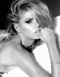 Charlotte McKinney - Yu Tsai for Guess - 02