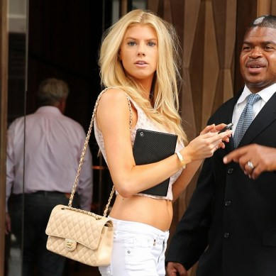 Charlotte McKinney - In the street - 01