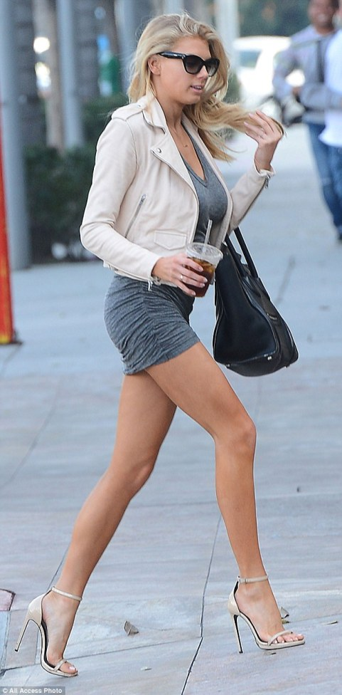 Charlotte McKinney - In the street - 13