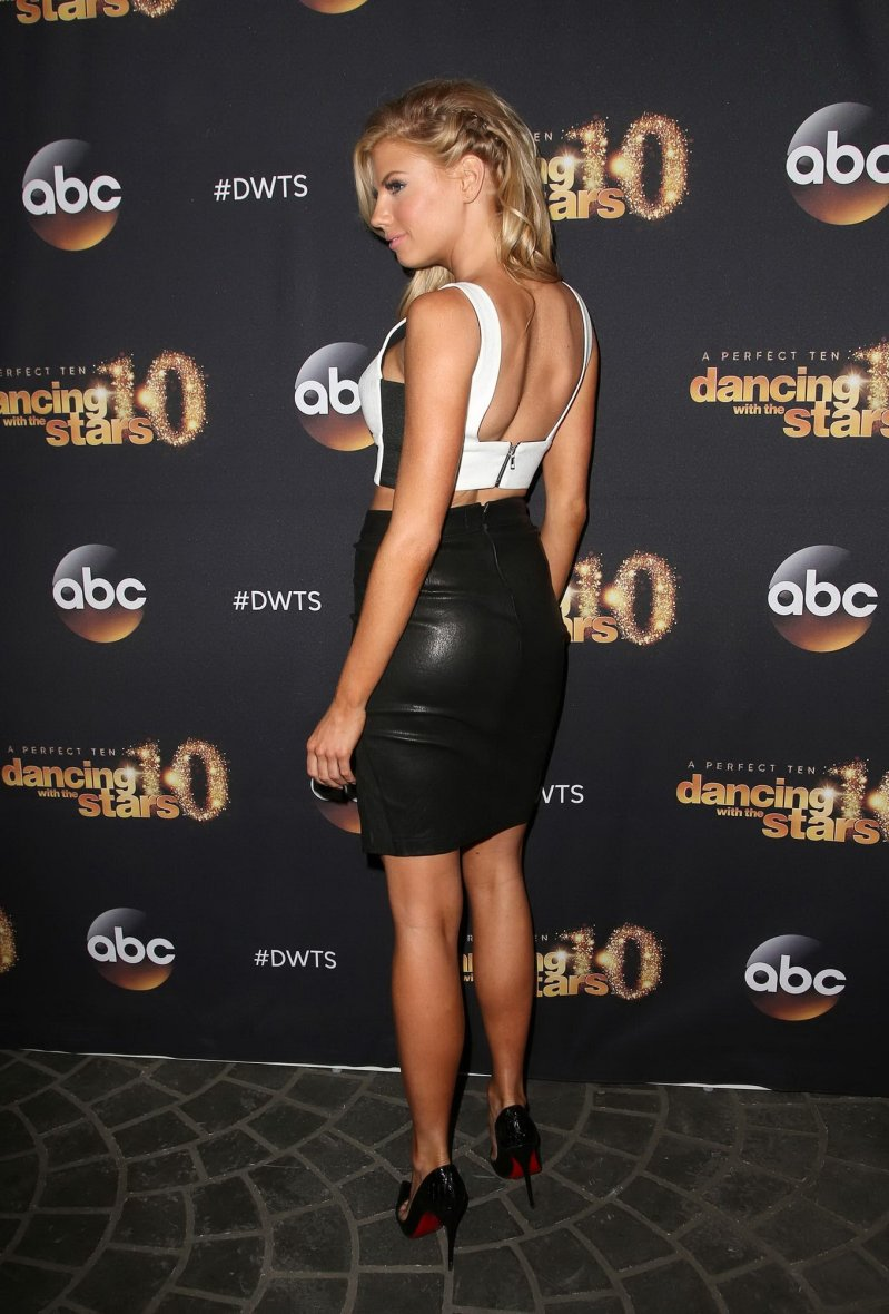 Charlotte McKinney & Keo - Dancing with the stars - 11