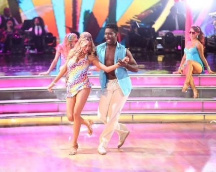 Charlotte McKinney & Keo - Dancing with the stars - 30