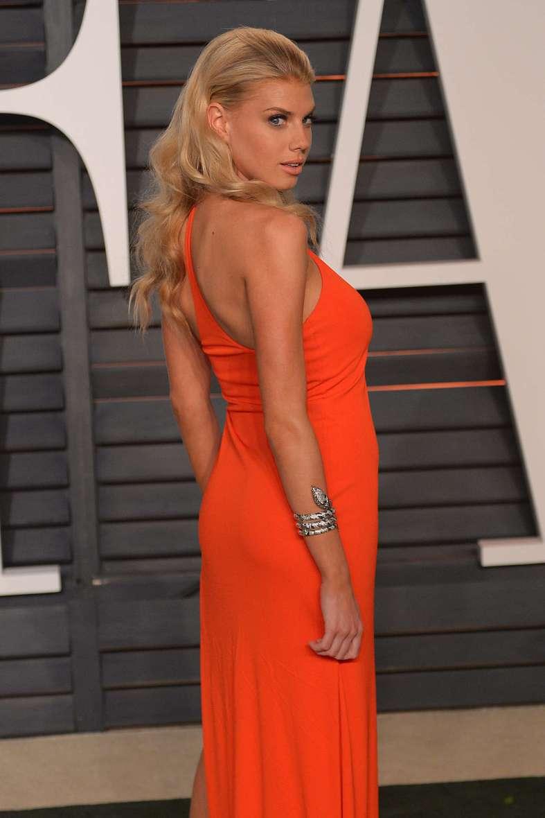 Charlotte McKinney - Vanity Fair Oscar Party - 05