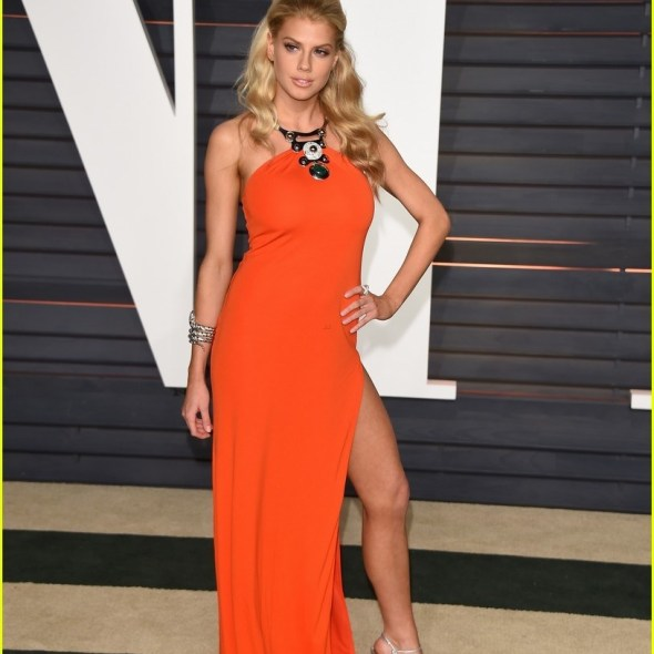 Charlotte McKinney - Vanity Fair Oscar Party - 01