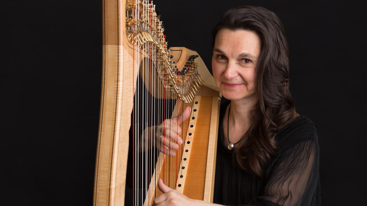 Charlotte Petersen, Harpist, Scottish Borders
