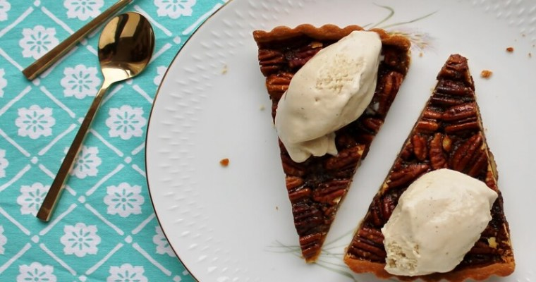 Bourbon Pecan Pie med banan is