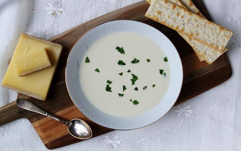 Ostesuppe med Comtè