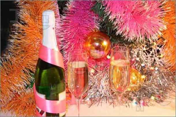 New-Year-Toast-990333