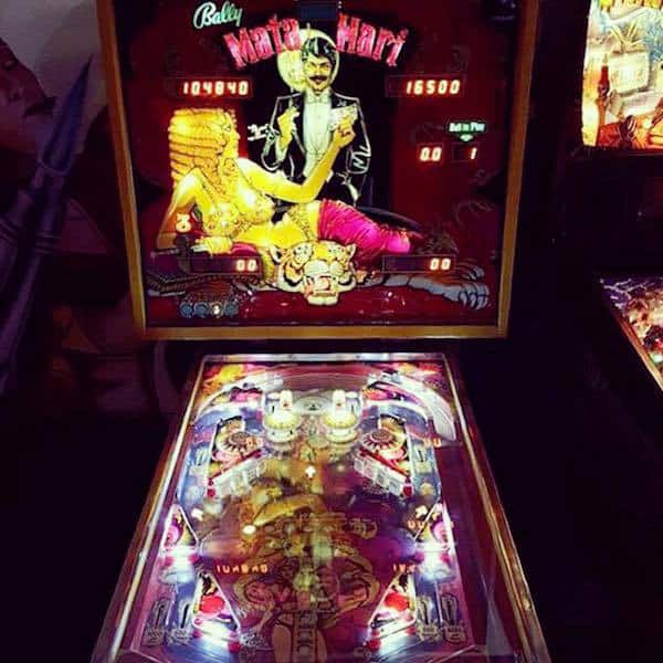 abari-game-bar-pinball
