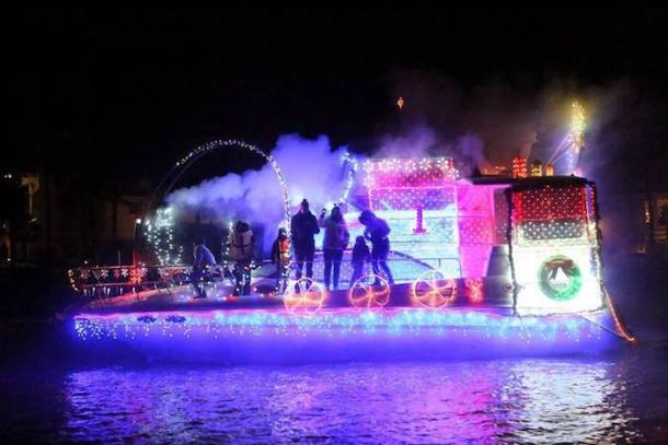lighted boat parade lake norman