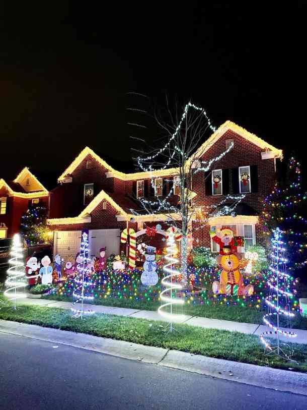 Christmas Light Finder 2021 Best Christmas Light Displays In The Charlotte Area For 2020 Including A Map Charlotte On The Cheap