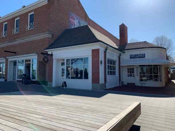 Exterior of Local Patriot Roasting Company and Eat Cakes in Kannapolis