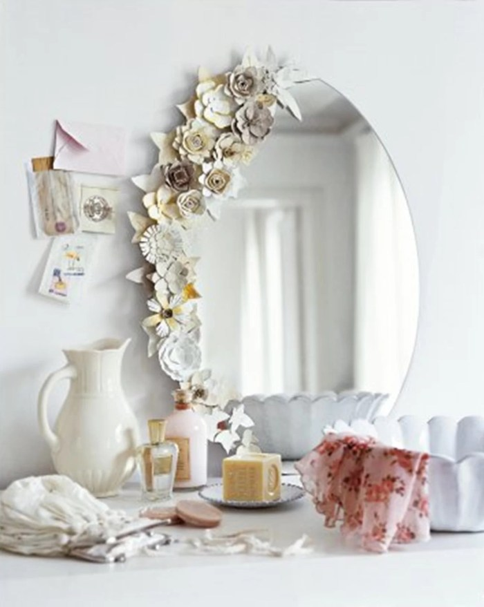 mirror-with-flowers
