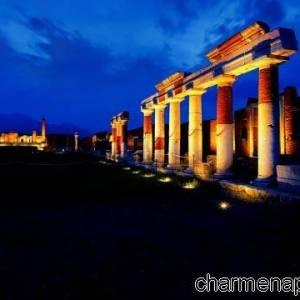 Pompei scavi di notte