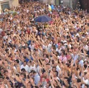 folla festa Gigli Nola