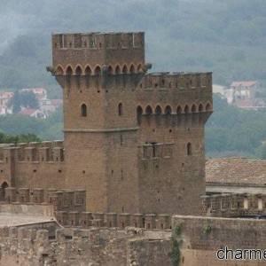 le torri del castello di Lauro