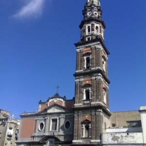 Chiesa e campanile del Carmine Maggiore a Napoli