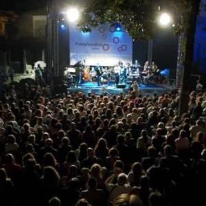 Bagno di folla al festival jazz di Pomigliano