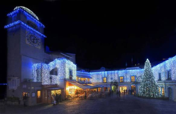 La celebre Piazzetta di Capri a Natale
