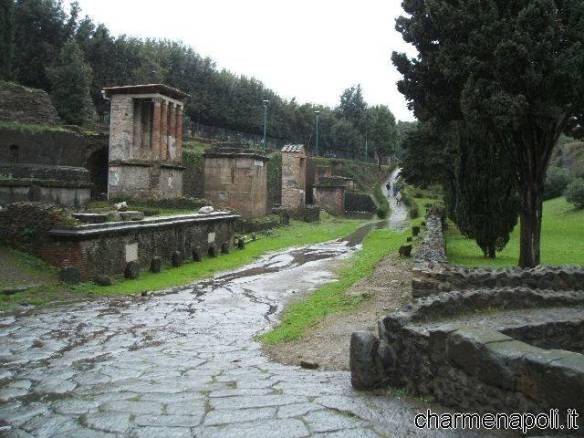 Pompei, via delle Tombe