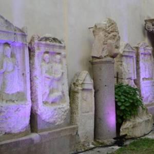 Alcuni dei reperti in mostra nel Museo Provinciale Campano di Capua