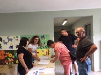 03-Distribution des poules 2018_Mairie Charmes Aisne.jpg