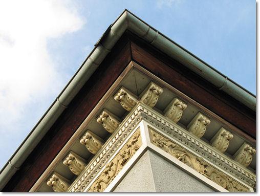 Architektonische Details in Teterow - © Liisa