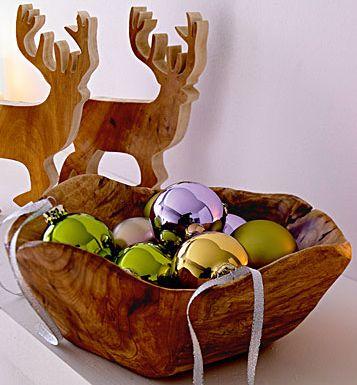 Holzschale und Holzhirsch