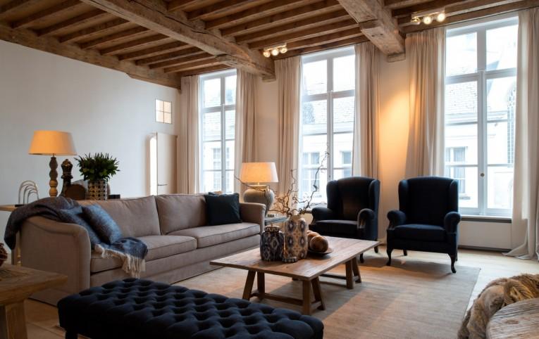 Charrell  Landelijke hedendaagse meubelen op maat