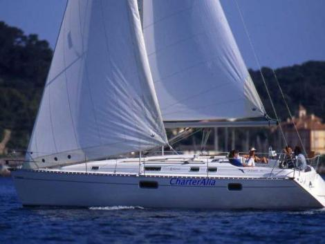 Charter de barco a vela em Ibiza Oceanis 351 Clipper