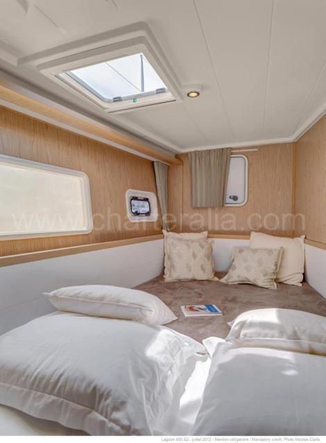 proa de cabine dupla catamara alugar lagoon ibiza