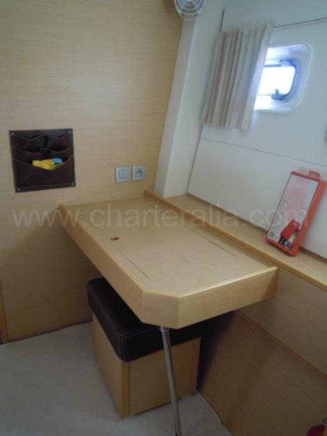Mesa em catamara de remessa