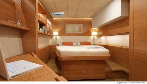 cama de casal com espaco de barco lateral