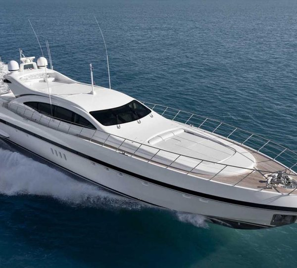Mangusta Yachts Overmarine Open Style Performance Luxury