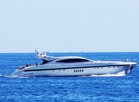 Yacht ARES Overmarine Mangusta Rodriguez Group