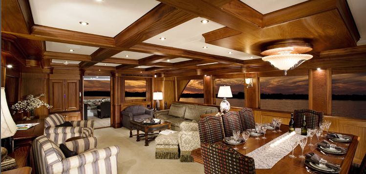 Yacht SPLASH Rayburn Custom Yachts CHARTERWORLD Luxury