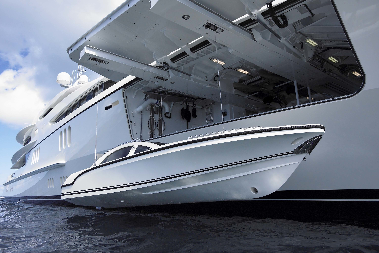 Striking 88M Mega Yacht FOUNTAINHEAD By FEADSHIP In Miami