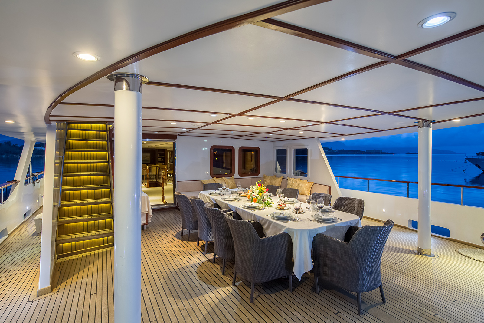 Aft Image Gallery Aft Deck Sun Beds On Board Yacht