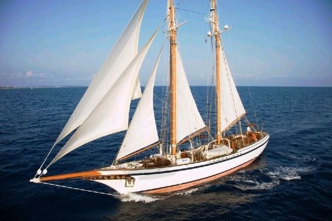Lady Thuraya Yacht Charter Details Lubbe Voss Germany