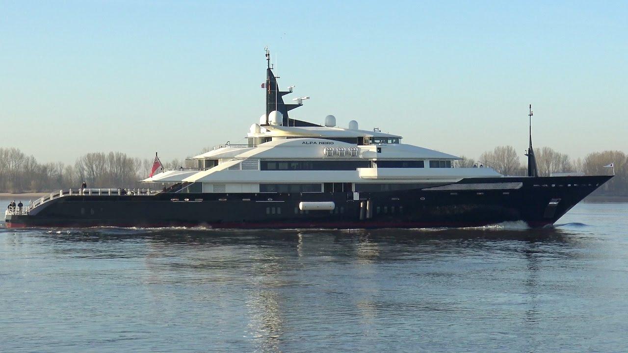 yacht alfa nero