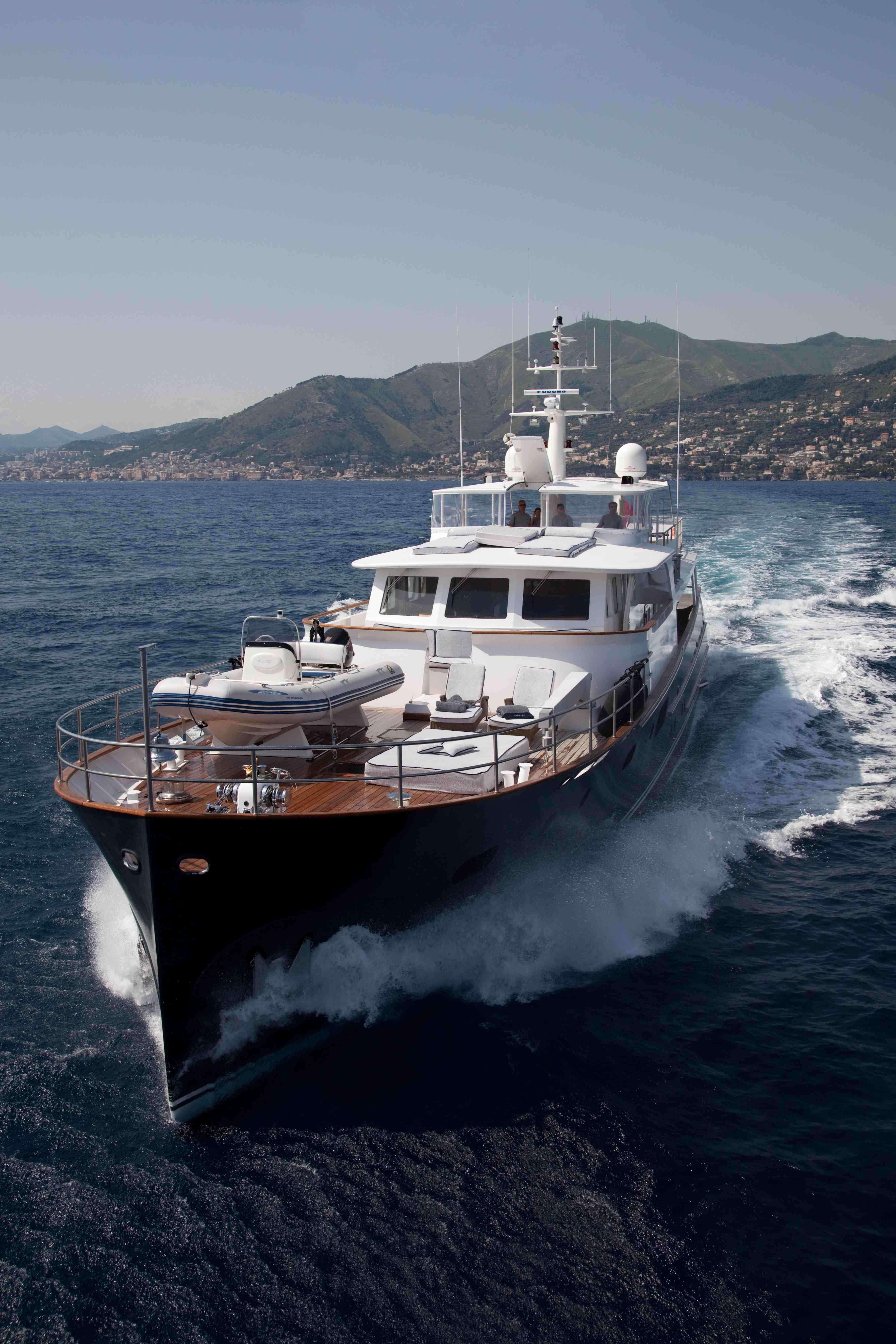PERSUADER Yacht Charter Details OCEA 108 Fast Commuter