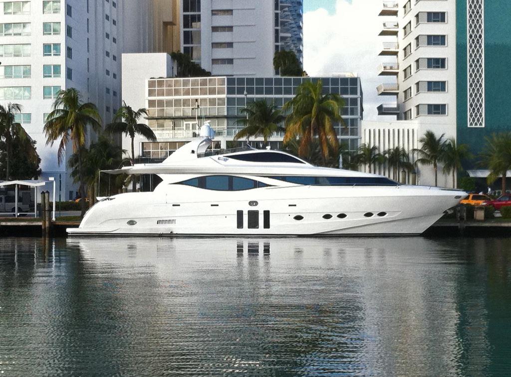 MIA Yacht Charter Details Eagle 90 Raised Pilothouse