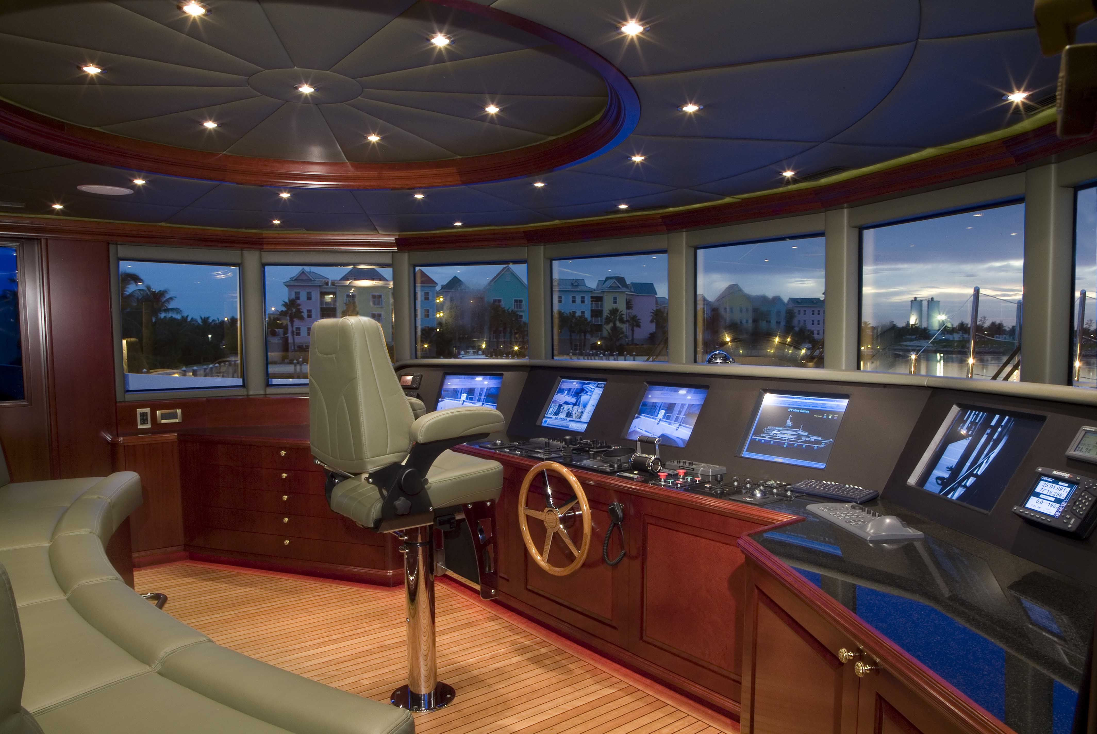 Pilot House Image Gallery Luxury Yacht Gallery Browser