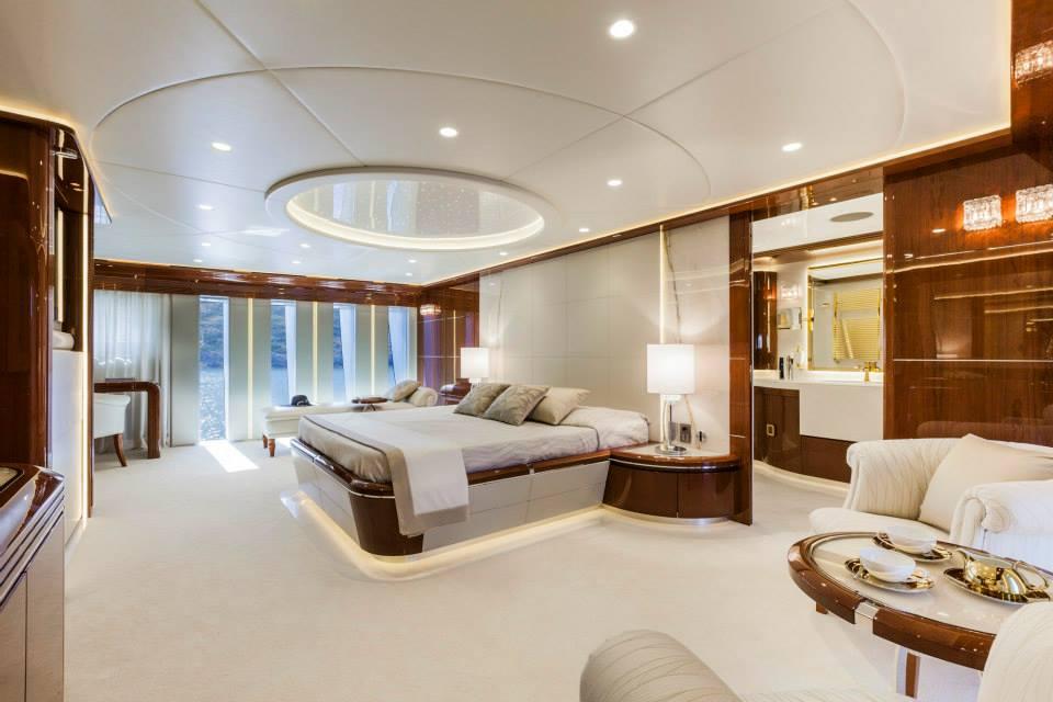 Yacht VELLMARI a Rossinavi Superyacht  CHARTERWORLD