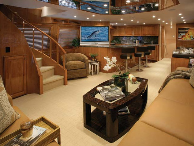 Hatteras 77 Convertible Luxury Yacht Charter