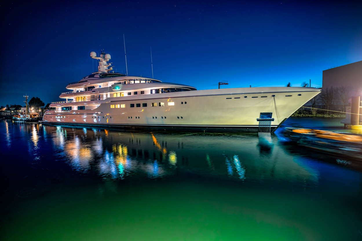 http://www.charterworld.com/index.html?sub=yacht-charter&charter=motor-yacht-abeking-8521