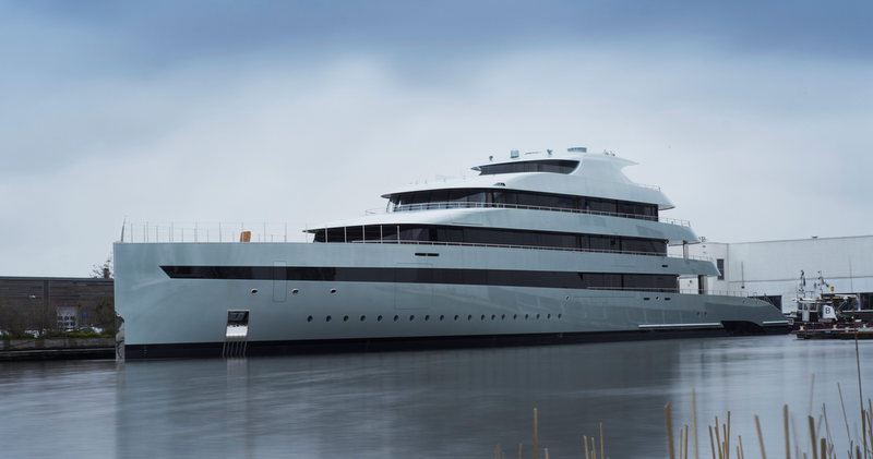 https://i0.wp.com/www.charterworld.com/news/wp-content/uploads/2015/01/Superyacht-Savannah-on-the-water.jpg